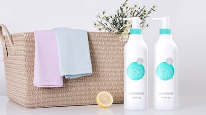 Skin-Friendly Liquid Laundry Detergent from XiaoXian